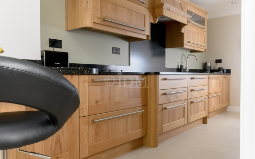 Shaker 95 - with V Grooves Joints - Character Oak